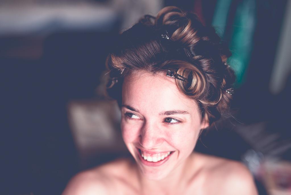 Berlin Hochzeitsfotos Getting-Ready mit Hanna ohne Schminke