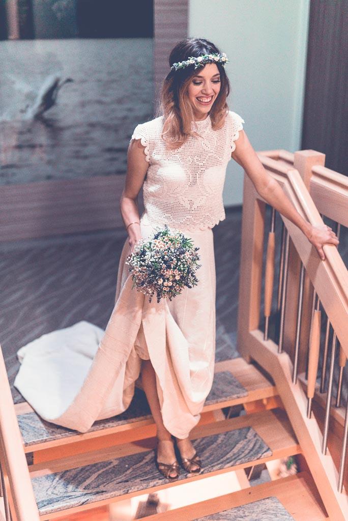 Hochzeitsfotograf in Berlin & Brandenburg - Braut im Hotel Treppe
